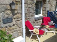 image of the terrace at Hendra Cottage self catering holiday let in perranuthnoe