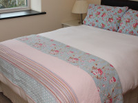 image of the bedroom in One The Elms self catering holiday let in perranuthnoe