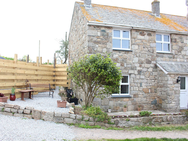 image of One The Elms self catering holiday let in perranuthnoe